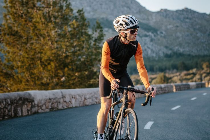Isadore Apparel - The Ultimate Spring Combo offers you the chance to purchase our highly technical MERINO MEMBRANE VEST together with any color of our Merino bi-component LONGSLEEVE JERSEY at a special reduced discount of -15%.#isadoreapparel #roadisthewayoflife #cyclingmemories
