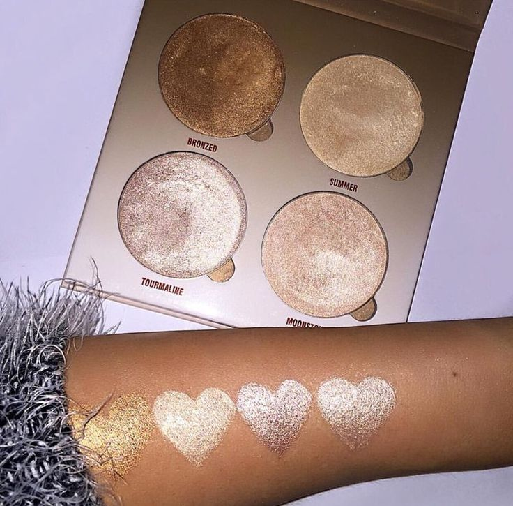 #REPIN Wow! Look at that pigmentation! Brush #522 and #560 will help you pick up the color and transfer onto your cheekbones flawlessly! http://www.luxiebeauty.com/luxie-rose-gold-medium-fan-face-brush-560/ http://www.luxiebeauty.com/luxie-rose-gold-tapered-highlighting-brush-522/