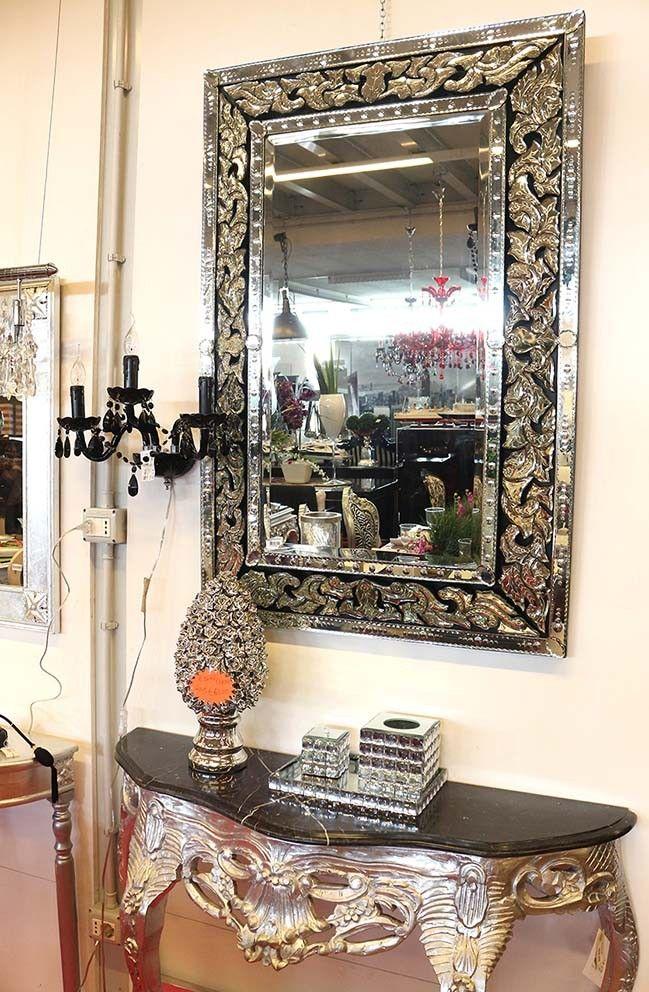 Specchio tutto in vetro lavorato a mano, specchio veneziano. Consolle barocco argento con top in marmo nero www.alberti-design.it