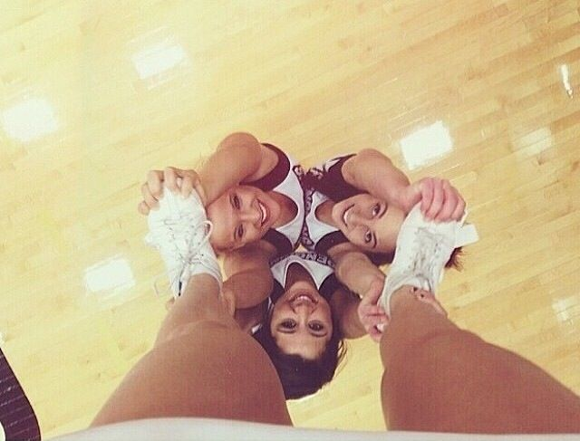 THIS is appropriate body positions for the stunt group. This is what makes it hit
