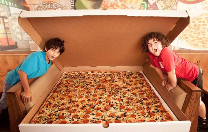 over the top pizzas http://www.manoosh.com.au/the-10-most-over-the-top-pizzas-ever-created/