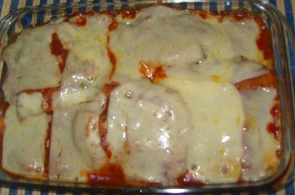 O Filé à Parmegiana é uma opção deliciosa e irresistível para a refeição da sua família. Não perca! Veja Também:Carne Moída à Parmegiana Veja Também:Bolo