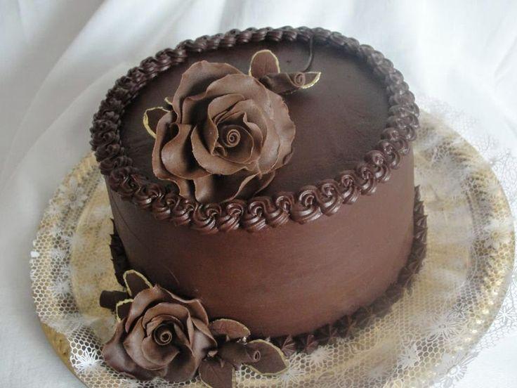 Aprenda a fazer esse delicioso bolo de chocolate trufado, uma receita fácil pra…