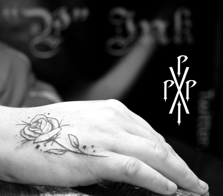 Simple rose. #Blackwork #Rose #Linework #Tattoo #Rosetattoo #Blackworkrose #simplerose #cool #cute #handtattoo