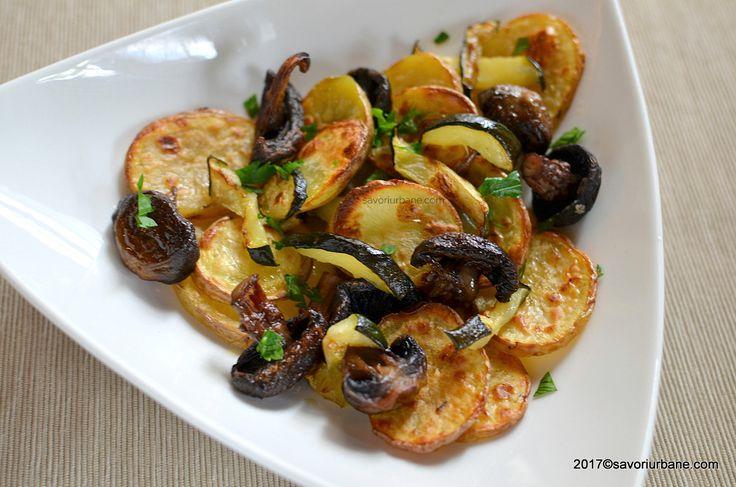 Cartofi la cuptor cu dovlecei si ciuperci. O reteta simpla si ieftina, de post (vegana) sau o garnitura gustoasa pe langa carnuri fripte sau prajite.Un