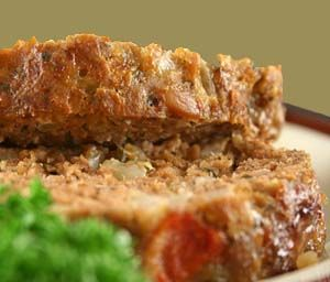 Gluten Free Meatloaf Recipe Topped with Bacon: http://glutenfreerecipebox.com/gluten-free-meatloaf-recipe-topped-bacon/ #glutenfree