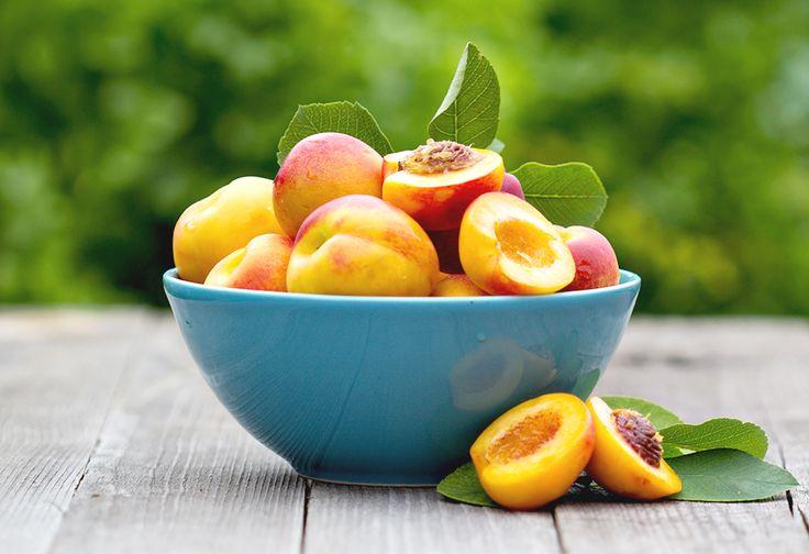 Het is weer tijd voor smoothies! Vandaag deel ik drie heerlijke smoothie recepten met je. Alle drie zijn met perzik!