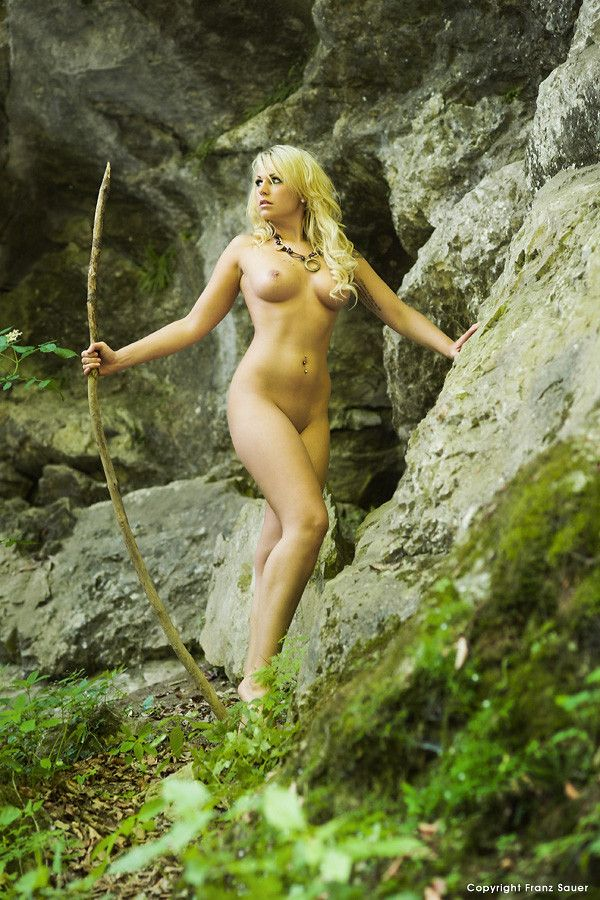 Wild jungle girl nude porn pics and movies