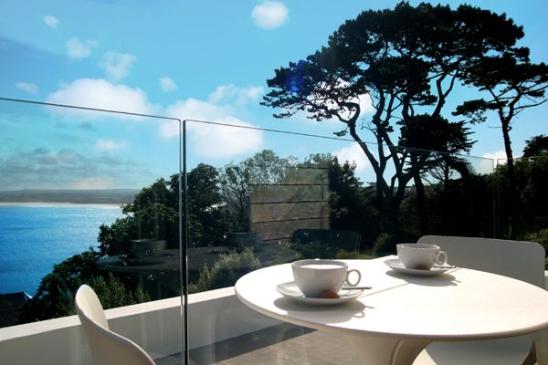 You can't beat a property in St Ives with a sea view!  Salt House ticks this box. #cottage #Cornwall
