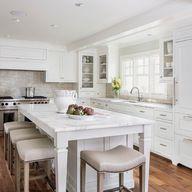 Dream Spaces: 12 Beautiful White Kitchens