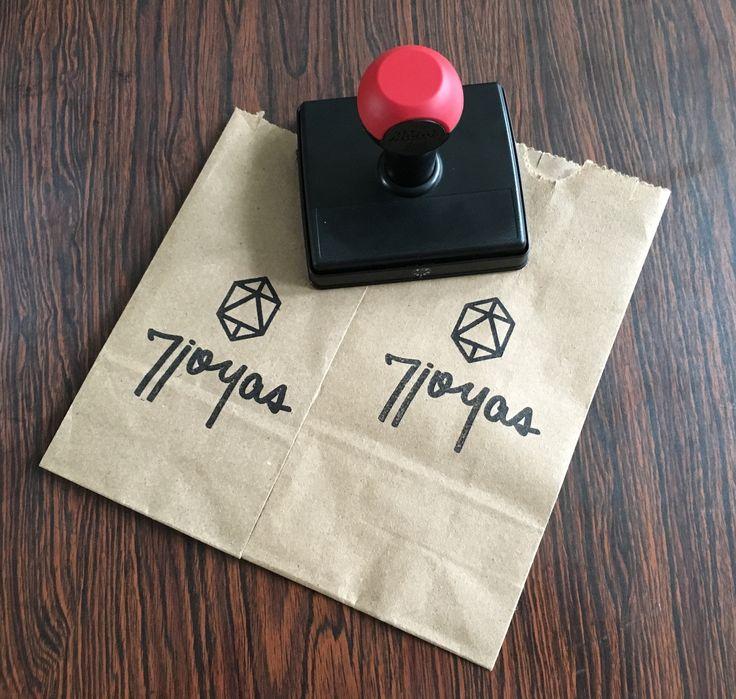 Bolsas y empaques para tus accesorios de 7Joyas!!! #7joyas #botanicaurbana #shopping #supporthandmade #supportlocalartists #statementjewelry #joyasdeautor #jewerly #jewerlydesign #sellos #handmadejewelry #madeunique #madeinpanama #empaques #inkpads #craftbag #stamps