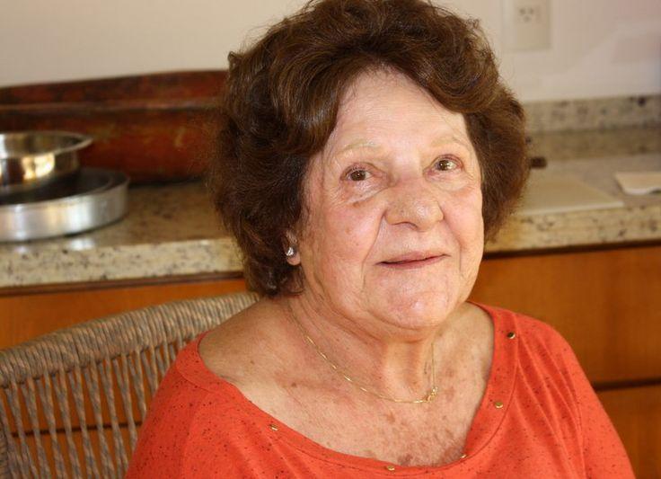 """""""Eu precisaria de 24 horas só para o dia"""", brinca Wanda D'Amato Fumo. Aos 86 anos, sua rotina inclui aulas na PUC (Pontifícia Universidade Católica), sessões de hidroginástica e terapia corporal, """"trabalho, muito trabalho"""" como agente de turismo e ainda viagens nacionais e internacionais com grupos da terceira idade. """"Eu quero morrer trabalhando, porque eu adoro o que eu faço"""", diz."""