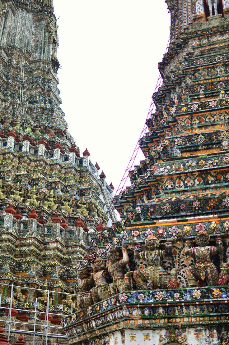 Wat Arun - Bangkok http://www.bilinmeyenrota.com/2014/11/wat-arun-bangkok.html