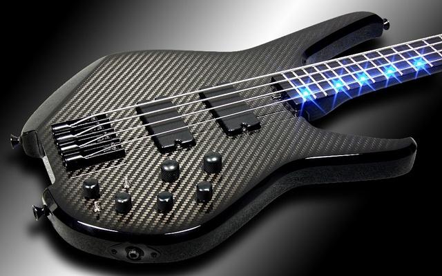 Modèle signature du bassiste de Muse chez Status-Graphite