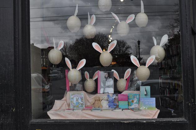 Easter Window-TYPE 017