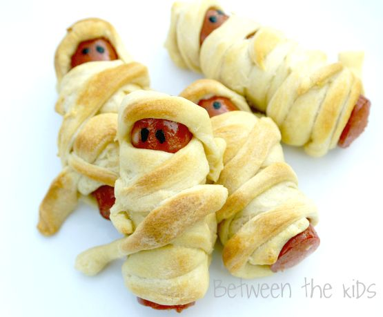 Best 25 Mummy dogs ideas on Pinterest Mummy hot dogs Creepy