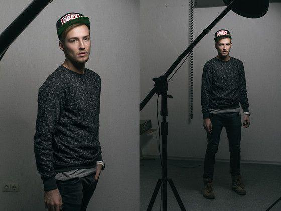 Obey Fullcap, Fsbn Gray Leopard Print Sweater, Pull&Bear Dark Jeans, Bershka Autumn Shoes