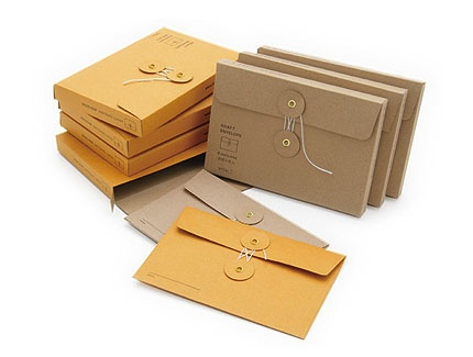 Feast your eyes on these gorgeous kraft envelope sets, travel journals and sticker labels by Midori Japan.
