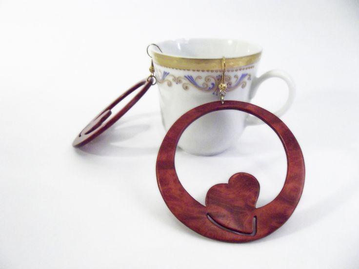 #Wood #Earrings with #heart #inlaytechnique su #DaWanda.com http://it.dawanda.com/product/67137987-Grandi-orecchini-tondi-in-legno-con-cuore-rosso#product_description
