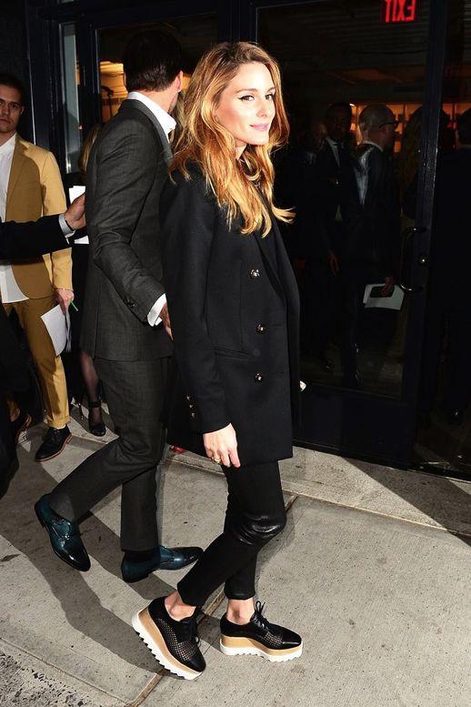 Pantalones de cuero Blog Le Moda Olivia Palermo larga Negro Blazer Stella McCartney Plataforma Oxford Via Popsugar