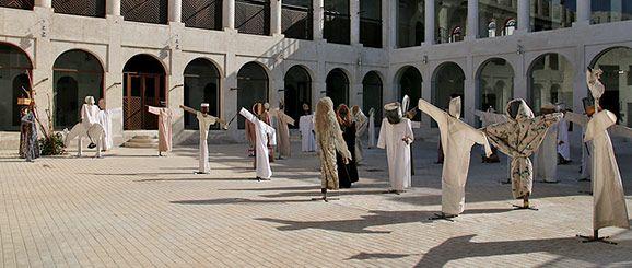 12ª Bienal de Sharjah, 2015  Sede: Bait Al Serkal  Scarecrows. 2013 Instalación