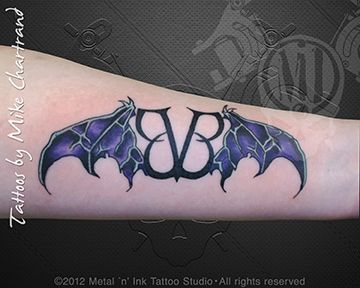 top 12 ideas about black veil brides on pinterest logos wing tattoos and chain links. Black Bedroom Furniture Sets. Home Design Ideas
