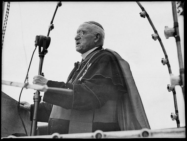 Archbishop Michael Kelly addresses the crowd at the St Patrick's Day parade and sports carnival, Sydney Showground, 12 March 1938. Sam Hood Collection, Mitchell Library, State Library of New South Wales: http://www.acmssearch.sl.nsw.gov.au/search/itemDetailPaged.cgi?itemID=22354