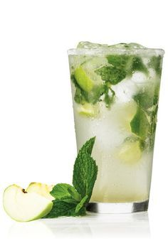 Tequila Julep! 45ml Silver tequila 100ml apple juice 12 mint leaves 15ml freshly squeezed lime juice lemonade to taste Sprig of mint