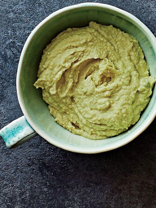 アボカドフリークならすぐに試して。南米風フムスは爽やかな辛みが美味!|『ELLE a table』はおしゃれで簡単なレシピが満載!