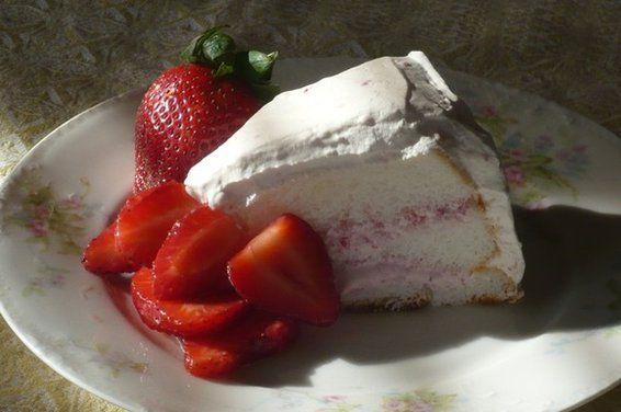 Strawberry Refrigerator Cake--Delish!
