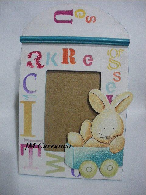 portafoto madera con abecedario