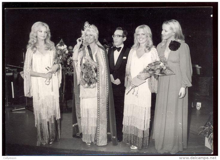 Deux Photos - Election De Miss Belgique 1977. - Célébrités
