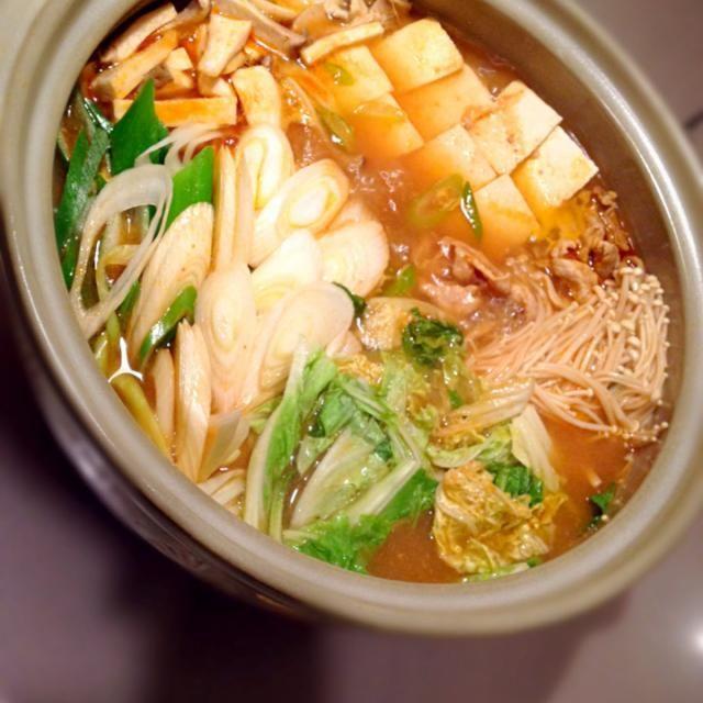 寒かったのでキムチ鍋にしました(^^) シメにはラーメンを入れてお腹いっぱい♫ - 9件のもぐもぐ - キムチ鍋 by moka7