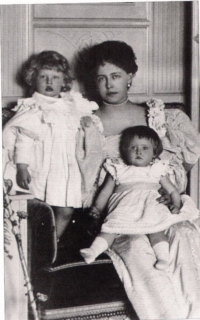 Marie with Carol and Elisabeth 1896