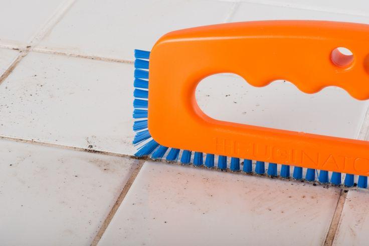 Fugen effizient reinigen mit Fuginator