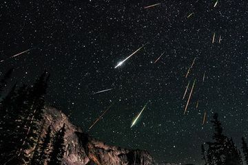 perseid-meteor-kingham-620.jpg (360×240)