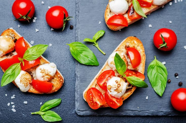 Caprese Bruschetta Recipe, simple bruschetta recipe, delicious bruschetta, Italian bruschetta