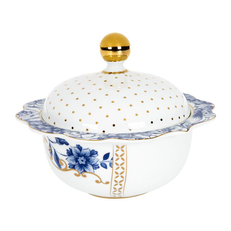 Add delicate charm to the home with this Royal White sugar bowl from Pip Studio. On crisp white with gold and blue embellishes, this sugar bowl is a royal addition to afternoon tea settings and there