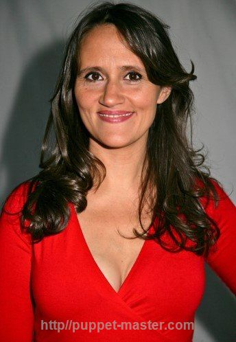 Young, British, attractive, quiet, sweet and softly-spoken Nina Conti! More about Nina <> http://puppet-master.com/female-ventriloquist-nina-conti/ #ventriloquism #ventriloquist #ninaconti #femaleventriloquist