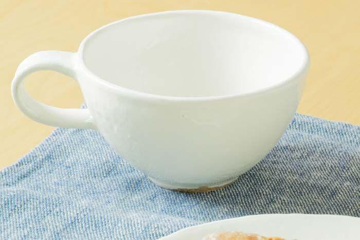 石川若彦 粉引マグカップ(丸) 丸いカタチが愛らしいです。 毎日のくつろぎの時間のお供に