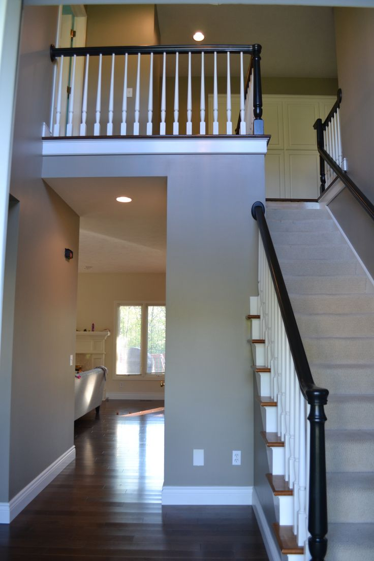 Rockport gray hc 105 paint benjamin moore rockport gray paint color - Painted Entry And Bannister Walls Are Benjamin Moore Rockport Gray Wall Paint Colorspainted