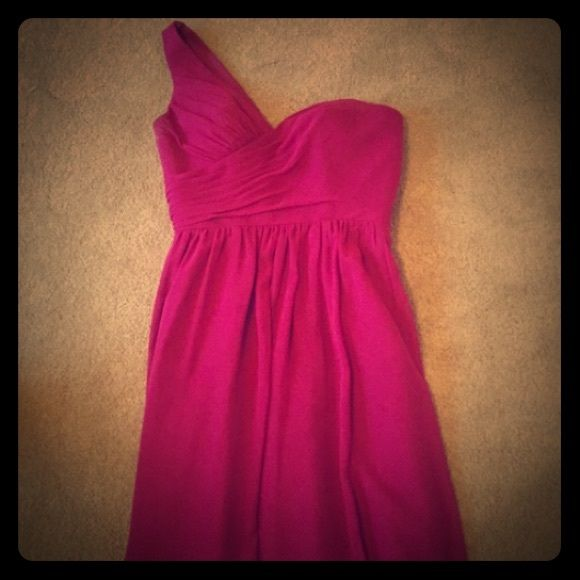 Alfred Angelo Hot Pink Bridesmaid dress NWT Alfred Angelo Style 7243S A-Line Skirt Cocktail Fuchsia Bridesmaid Dress Brand new with tags and in pristine condition. Especially great for a bride looking to put all her ladies in bright summery colors. Could definitely be worn as a cocktail dress paired with some fantabulous shoes :)  Willing to negotiate on the price!!                         FEATURES : Chiffon One-Shoulder Neckline Pleated Bodice Natural Waist Cocktail Length MSRP: $159.00…