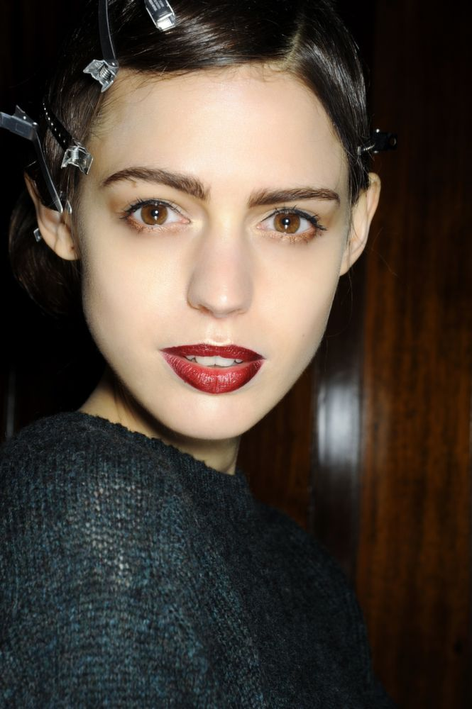 Red Lips @ Hema Kaul Fall 2014-2015 | #makeup #beauty #inspiration #autunno #lipstick
