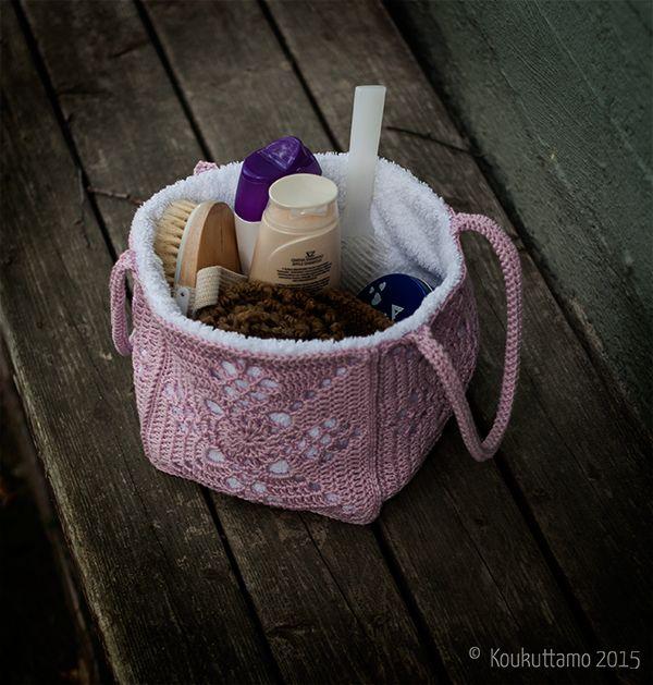 A little beauty bag   Saunakassi   Victorian lattice square   Koukuttamo