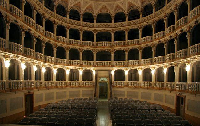 Zio Vanja con Sergio Rubini e Michele Placido al Teatro Lauro Rossi di Macerata | in Italia 24
