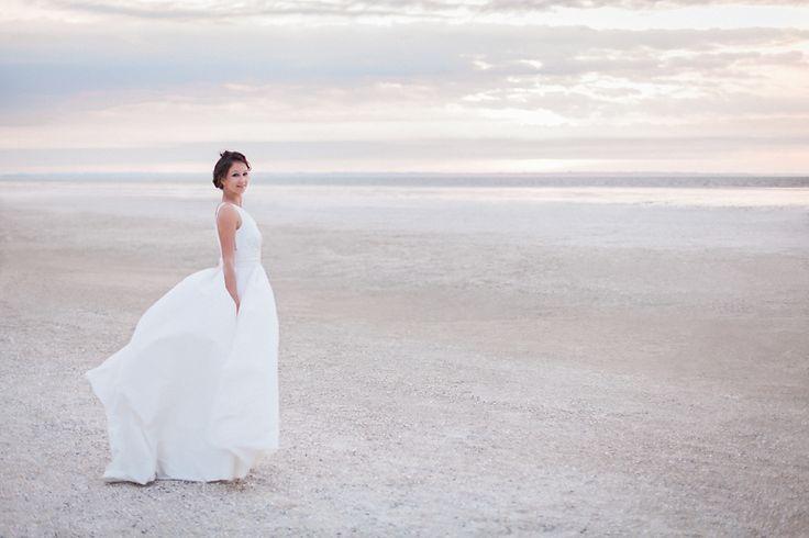 photo mariage coucher du soleil ciel nuageux
