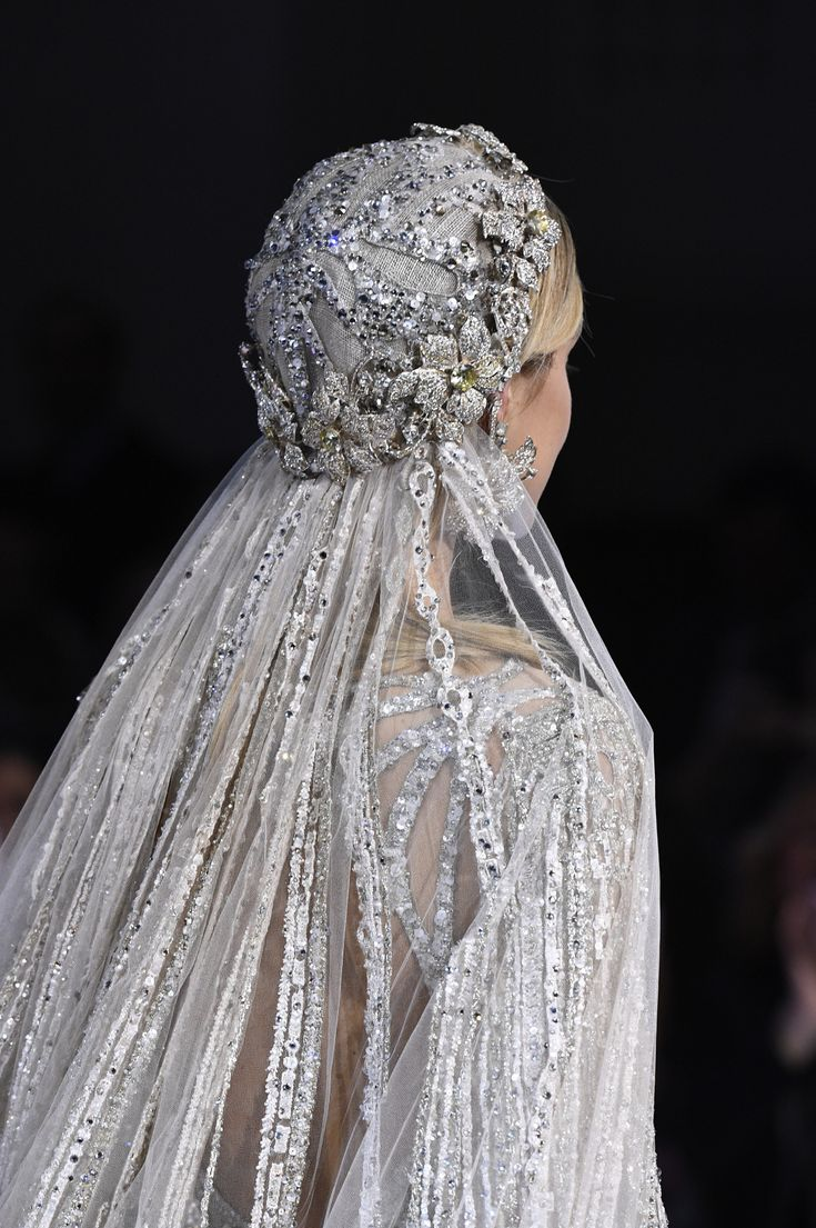 See all the details from Elie Saab's Couture Spring 2018 collection.