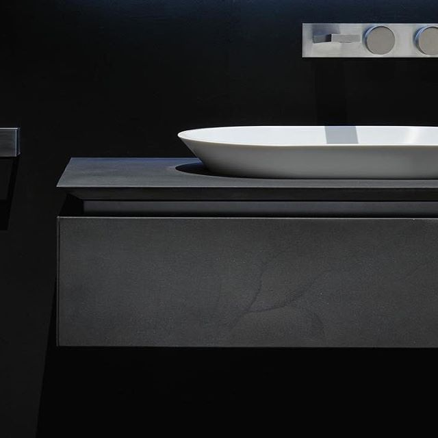 #Rifra #milano #madeinitaly #bath #bathroom #complements #black #cement #finishing #furniture #design #interiors #interiordesign #archiproducts #archidaily #archilovers #lovesdomus #washbasin #architecturephotography #homestyle #homestyling