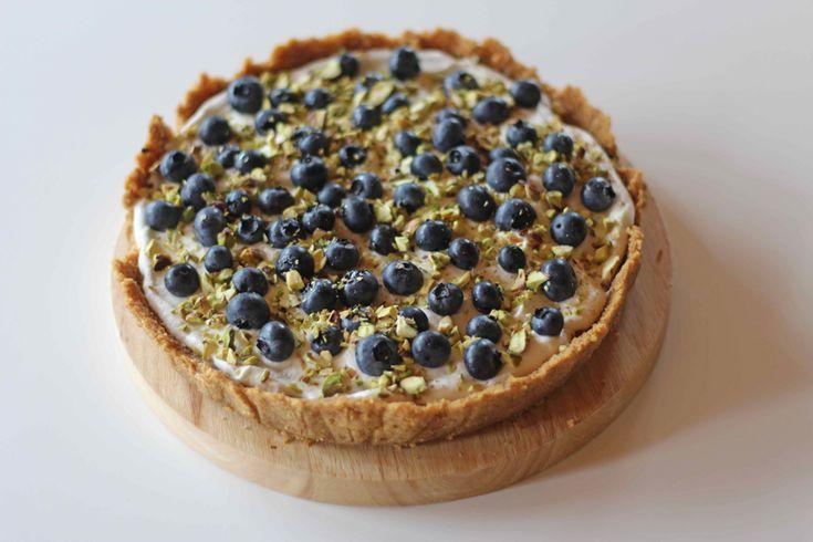 Citrontærte med blåbær og pistacienødder (Sofies Blog) | Ja tak | Sweet tarts, Cake og Desserts