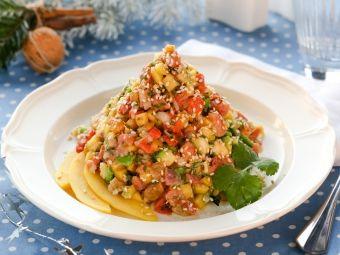 Пикантный салат-пирамидка с копченым лососем